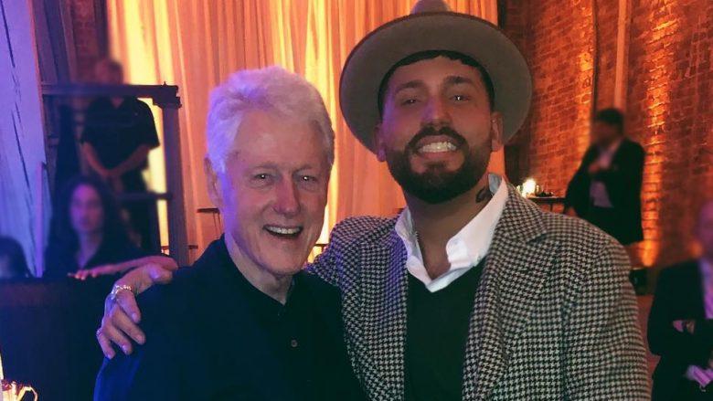 Clinton i pranishëm mori pjesë në ceremoninë e albumit të reperit shqiptar