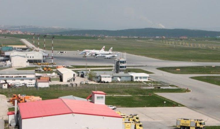 Ministria e Mbrojtjes merr në shfrytëzim Aeroportin e Gjakovës