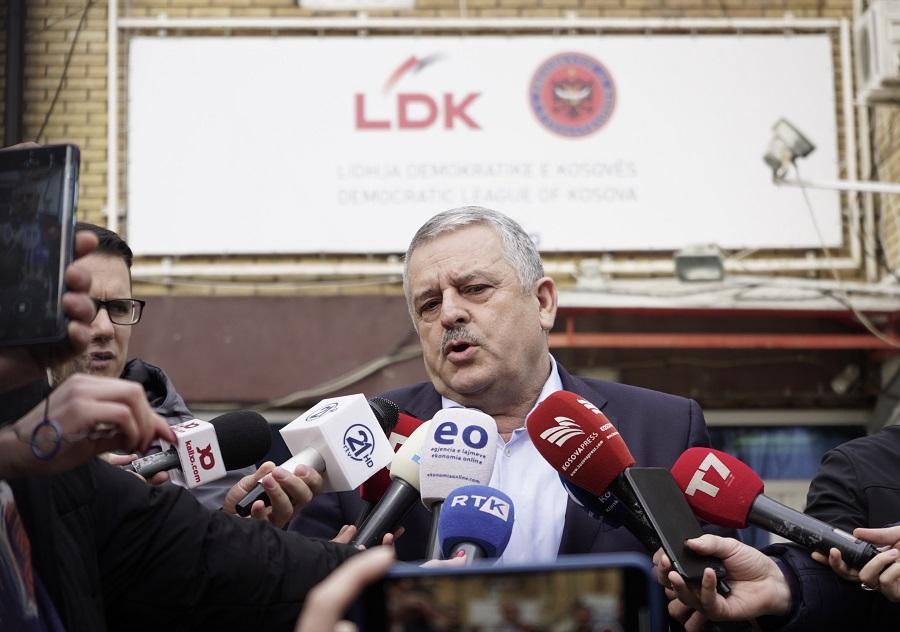 Veliu  Nuk përjashtohet mundësia të bëhet një qeveri me AAK në  Nismën dhe minoritetet