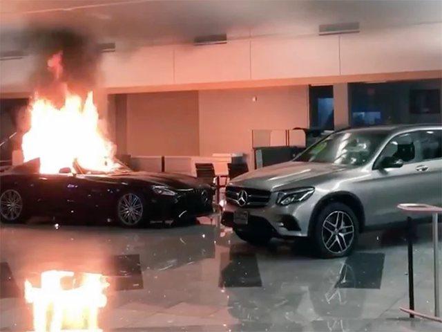 Edhe kjo ndodhi nga protestuesit në SHBA  u dogjën makinat super luksoze të Louis Vuitton